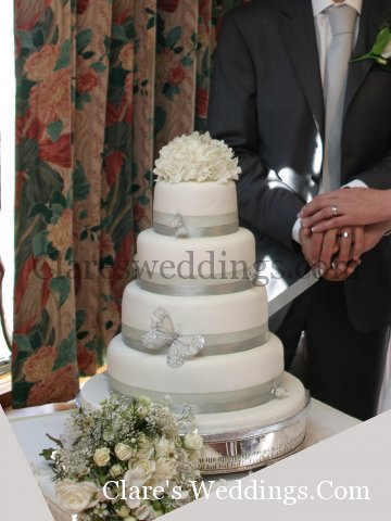 bespoke wedding cakes birmingham wedding planners clares weddings cakes flowers 11269